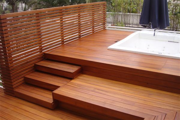 Decks de madeira: a natureza em sua casa