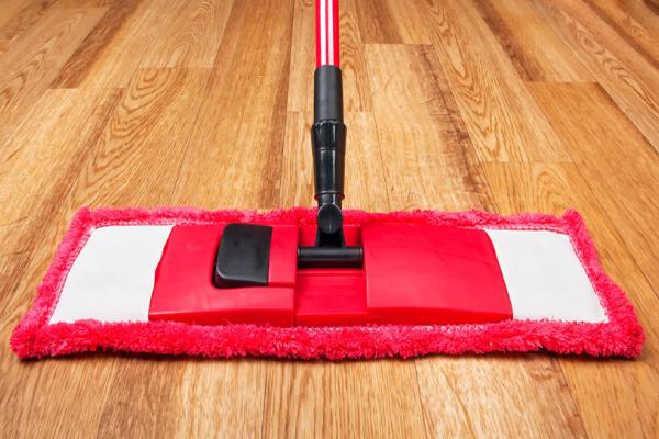 Como fazer a limpeza do piso laminado_00000