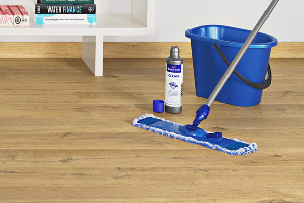 Como fazer a limpeza do piso laminado_00001